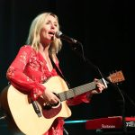 lisa-singing-4725591